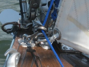 Tackle for tensioning Solent stay